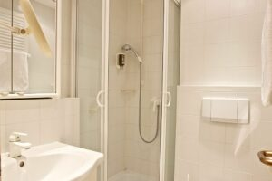 Doppelzimmer Standard Dusche