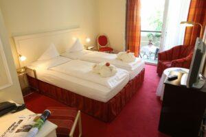 Doppelzimmer Standard Bett