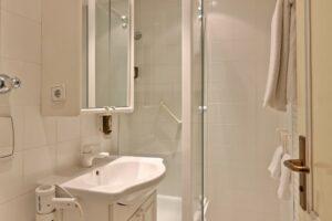EInblick Badezimmer Doppelzimmer Superior Sonnenblick