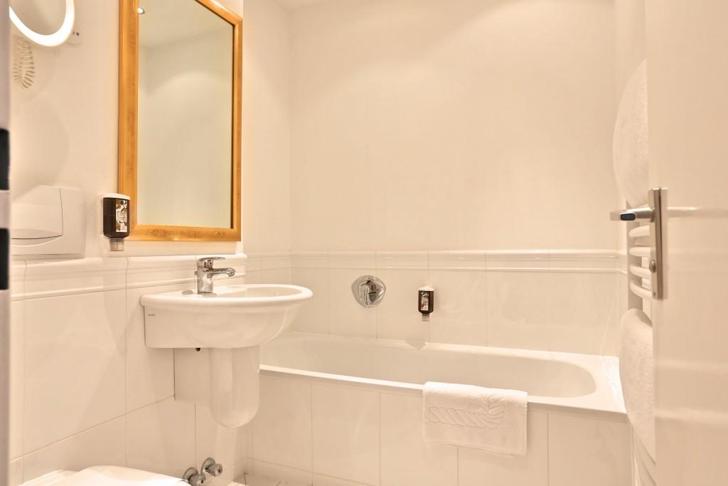Suite Wunsch Badezimmer Badewanne