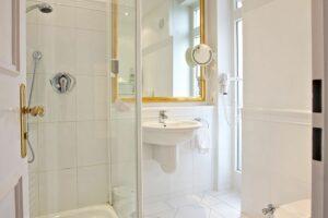 Suite Wunsch Badezimmer Dusche Hotel Mürz